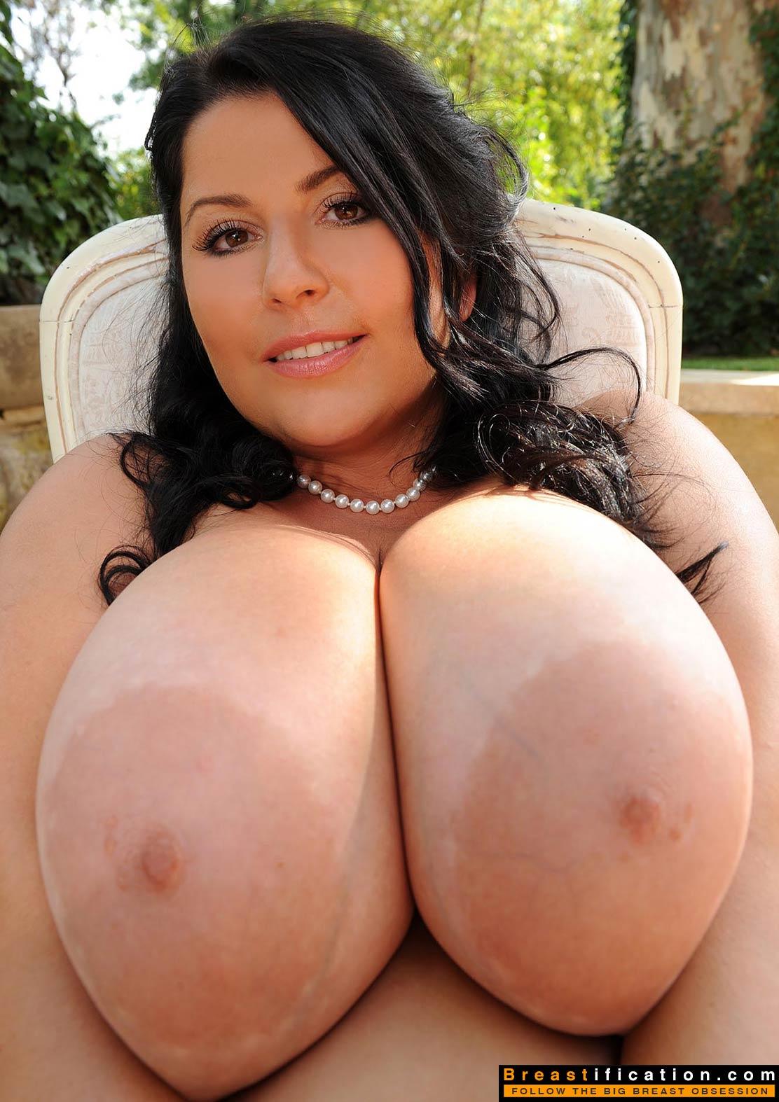 Порно натуральной девушки большой