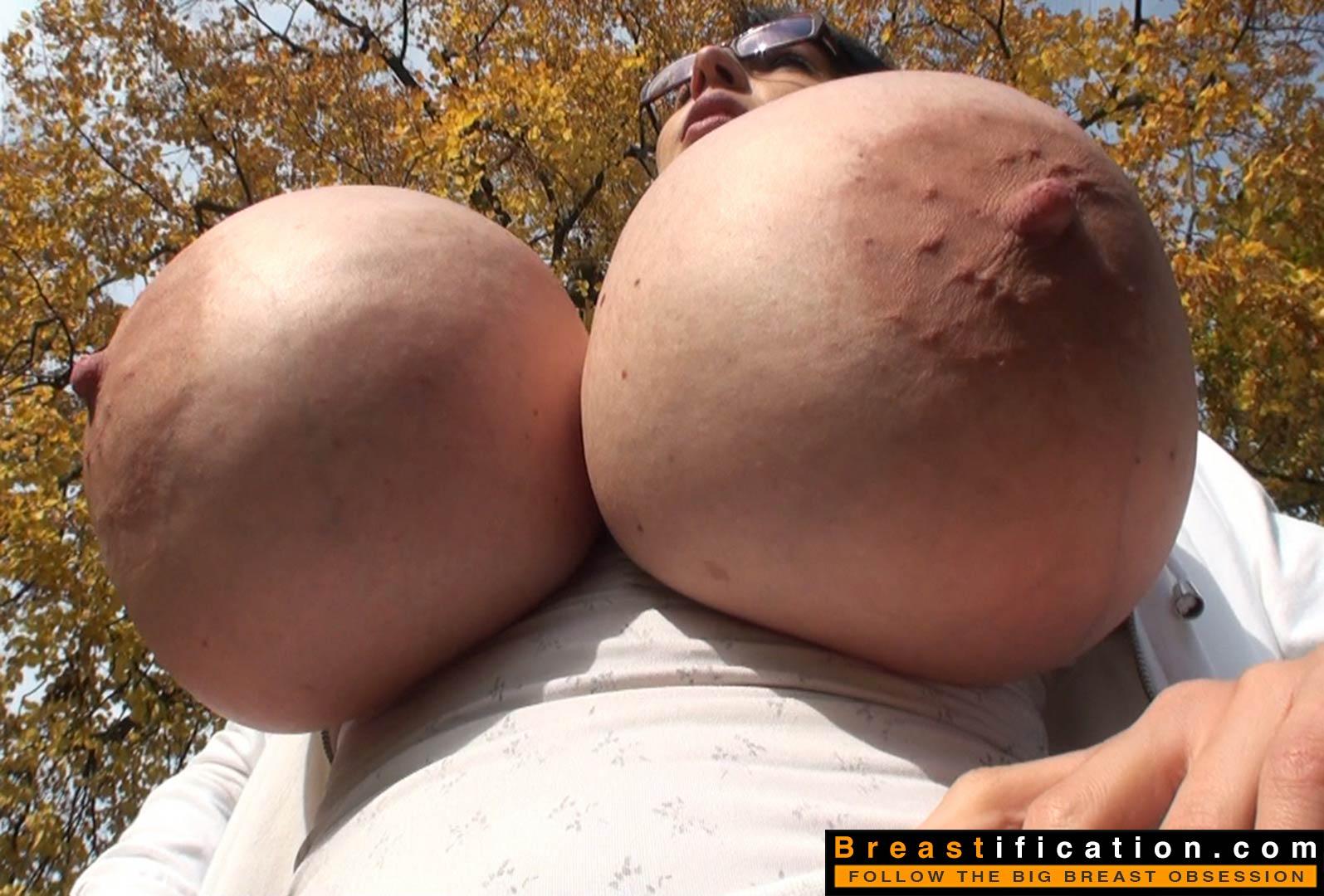 Penelope black diamond huge tits